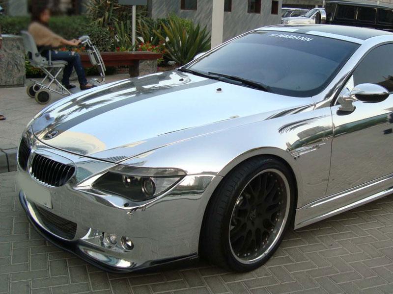 Автомобиль с хромовым покрытием всего кузова