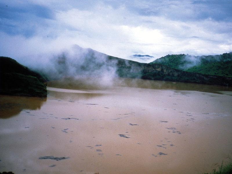 Озеро Ниос в Камеруне