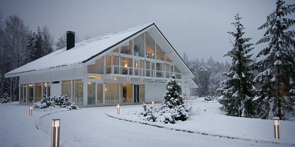 Построенный дом зимой