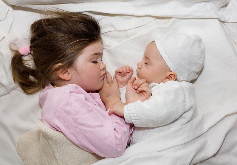 Ты и я, дружная спящая семья