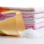 Как правильно стирать одежду вручную и в стиральной машине