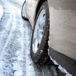 Как правильно водить автомобиль зимой?
