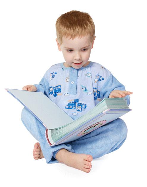 Дитя учится читать