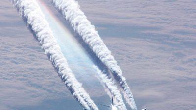 Распыление химии пассажирским самолётом