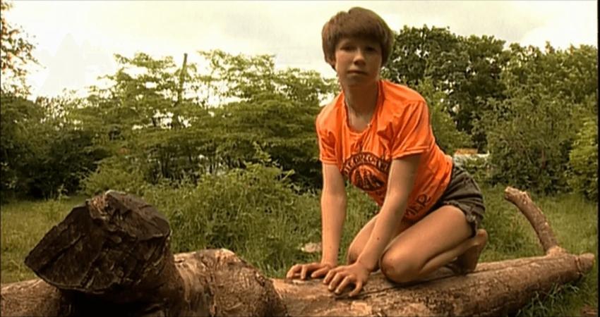 Девочка маугли была найдена в 1991 году