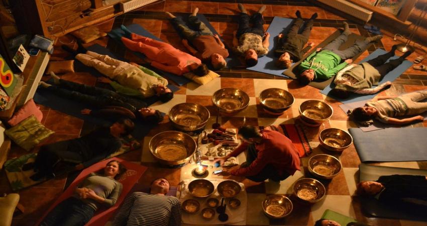 Поющие тибетские чаши имеют исцеляющие свойства