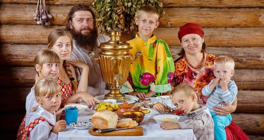 Славяне всегда придерживались за традиционную семью и их ценности